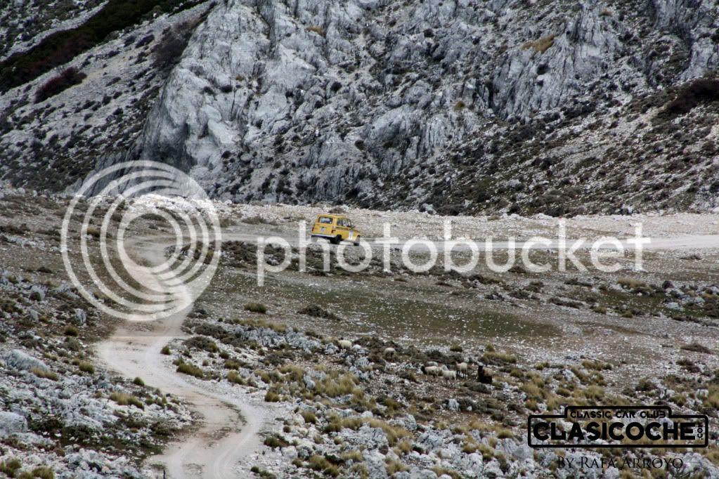 CRÓNICA XII RUTA CLASICOCHE // Por las Sierras de Jaén // 1 de abril de 2012 - Página 3 IMG_2404