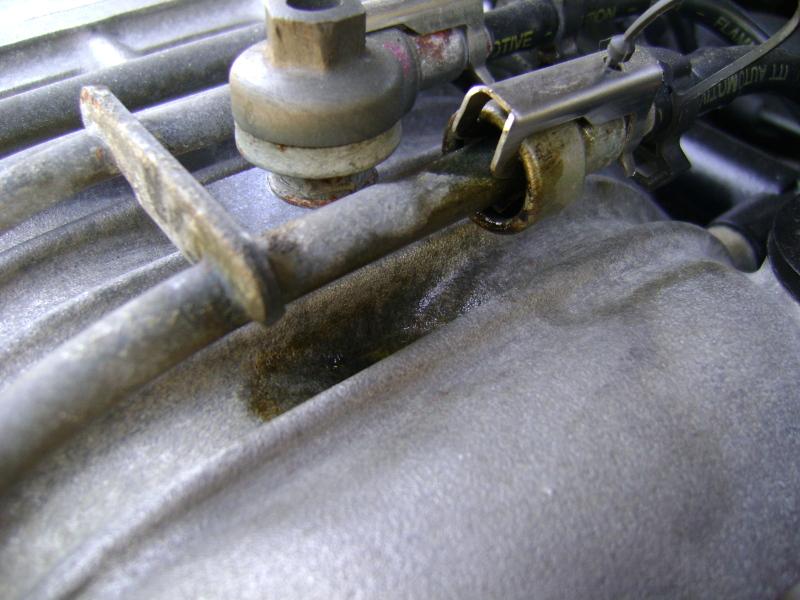 DSC05261 fuel line fuel rail connector leak