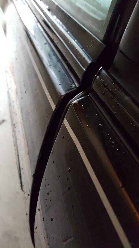 Door hinge pins and bushings DSC06727