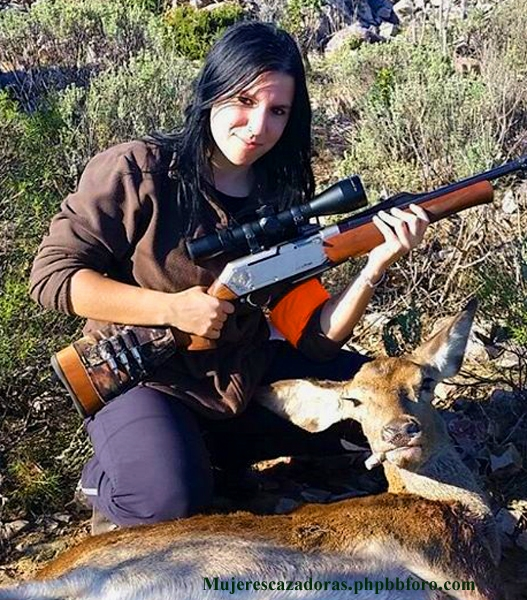 La cazadora española Samantha Araujo SAMTESP4_zpshvdk6wls