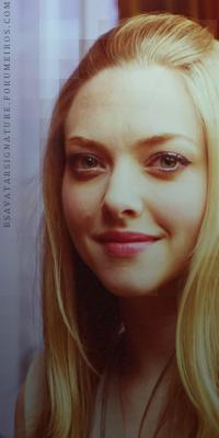 Amanda Seyfried Sophia2