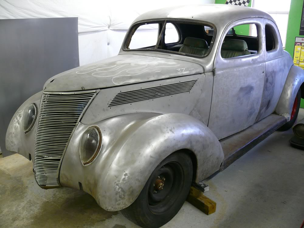 1937 ford coupe 006