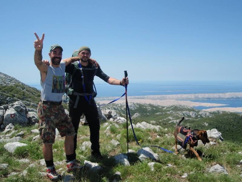 4 planinara,5 pari nogu,9 dana,114 km Velebita 10352598_10203910014581869_7838274751208822908_n_zpse21d8da3