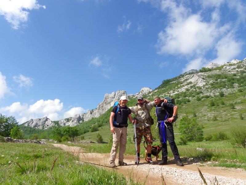 4 planinara,5 pari nogu,9 dana,114 km Velebita 10367571_10203910012141808_8715244961846210866_n_zpsbf4c8a3e
