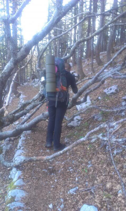 4 planinara,5 pari nogu,9 dana,114 km Velebita IMAG0690_zps46cf0b30