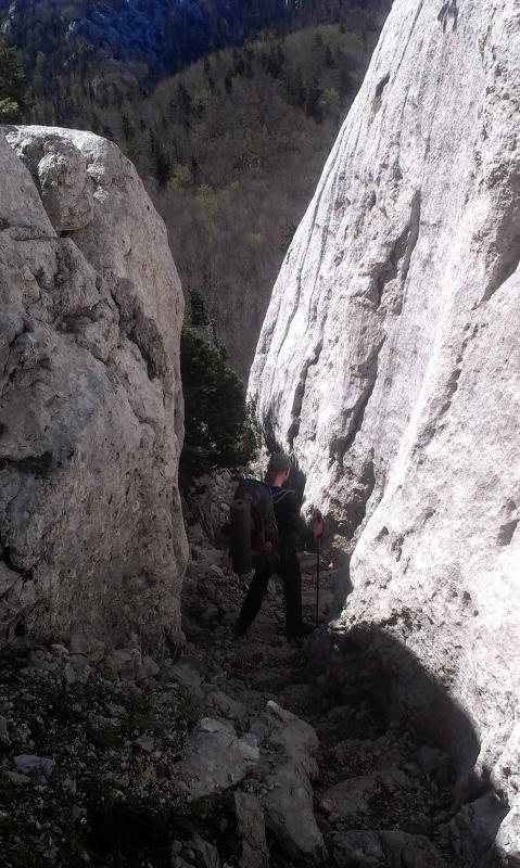 4 planinara,5 pari nogu,9 dana,114 km Velebita IMAG0703_zps5cc01153