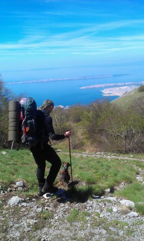 4 planinara,5 pari nogu,9 dana,114 km Velebita IMAG0706_zpscb2e7471