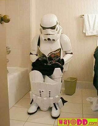 Esto es random :S - Página 3 Funny-pictures-the-toilet-trooper-K
