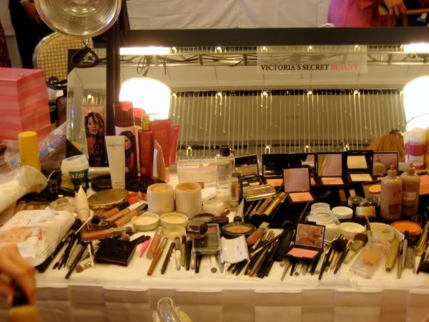 Poti-Porno: Backstage Makeup
