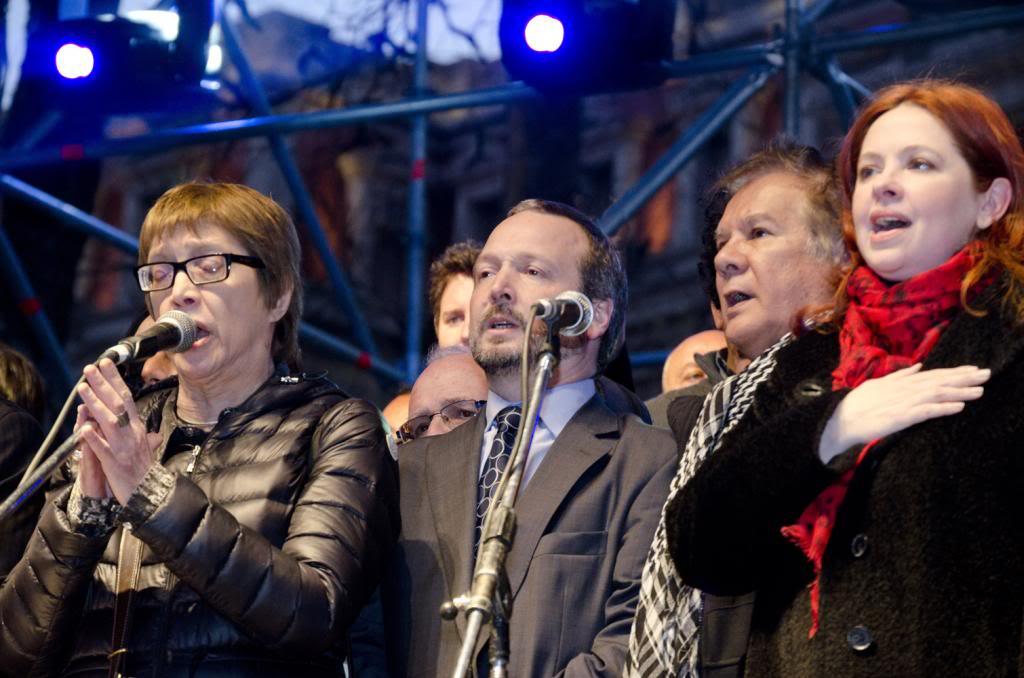 [28/08/2013] Actores y músicos pidieron a la Corte que falle a favor de la ley de medios Andrea-ldm02