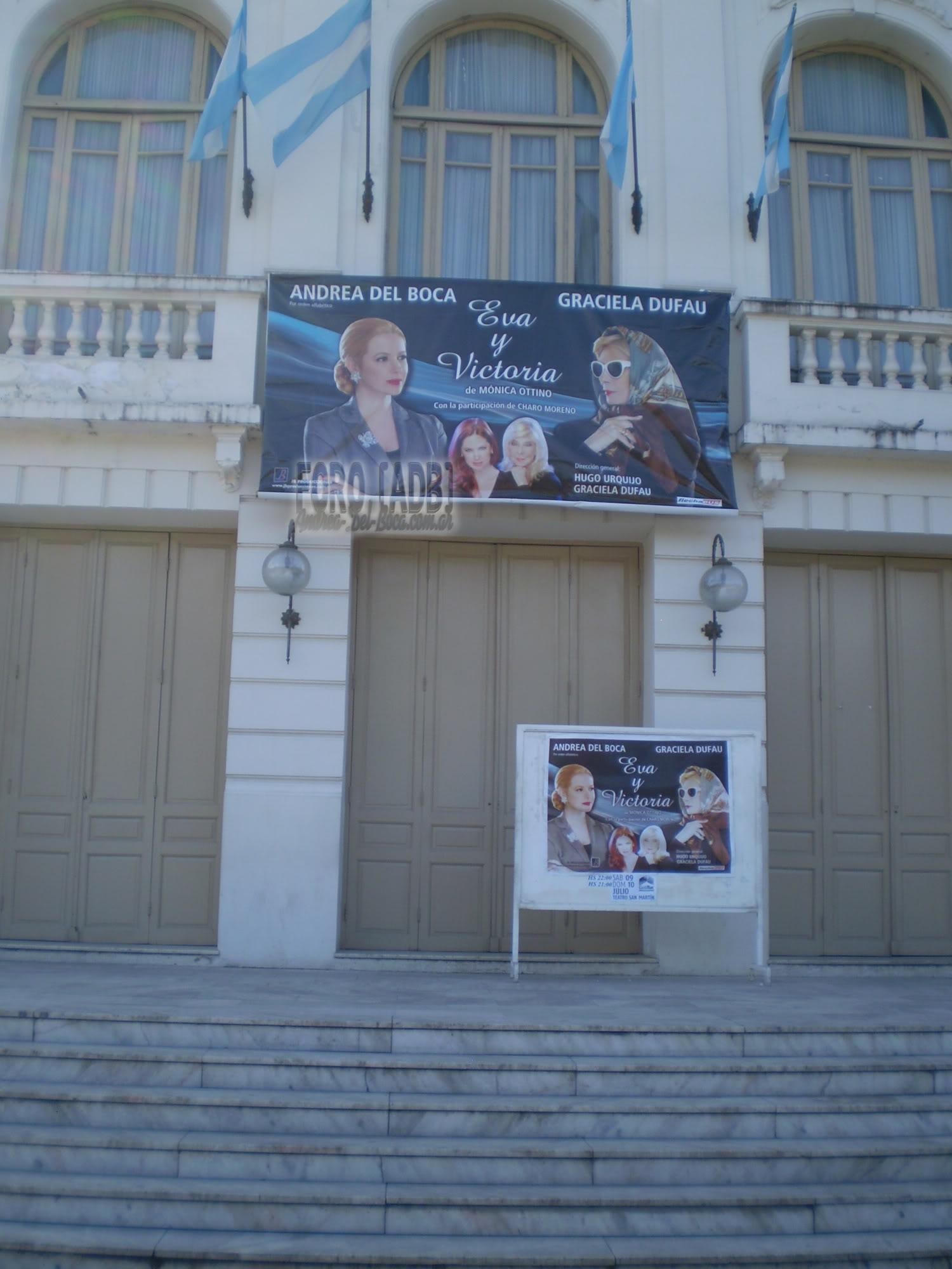 [Эва и Виктория] Андреа и театр (03/05/11)  - Página 2 004