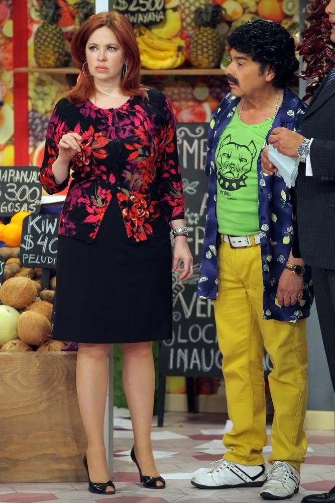 Фотографии и скрины 2012 - Página 3 2012_Andrea_En_Teantro_en_Chilevision_12