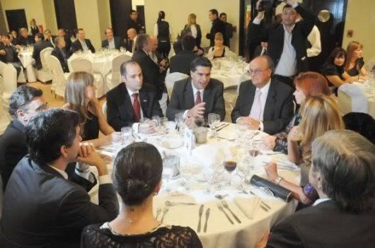 Фотографии и скрины 2012 - Página 3 2012_Andrea_la_cena_d_la_industria2