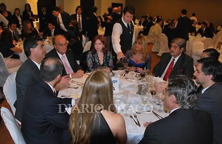 Фотографии и скрины 2012 - Página 3 2012_Andrea_la_cena_d_la_industria3