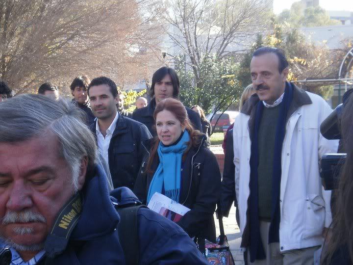 Фотографии и скрины 2011 - Página 2 247096_190630904317946_100001131129088_468098_4509408_n