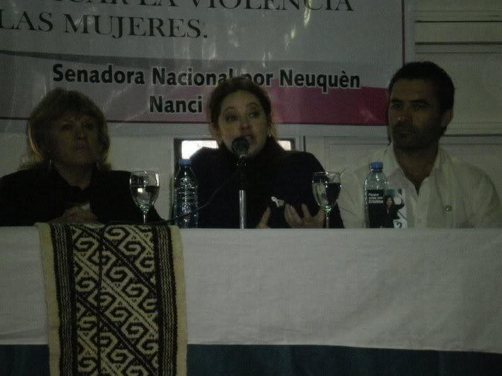 Фотографии и скрины 2011 - Página 2 249544_190631590984544_100001131129088_468112_6984847_n