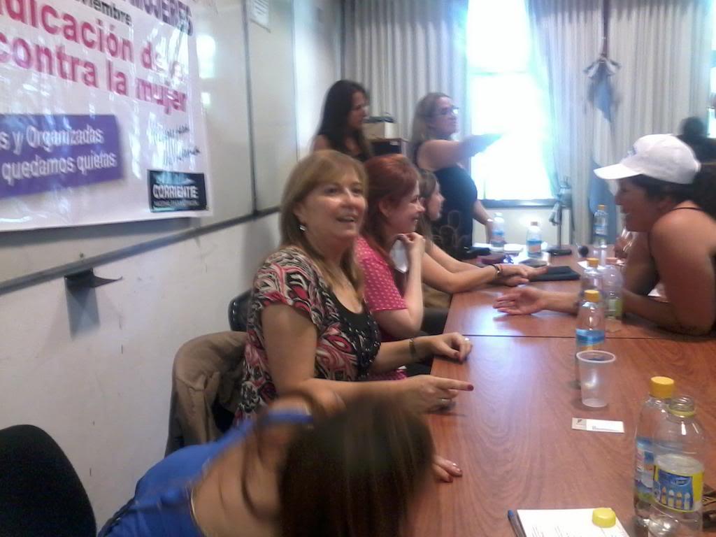"""[24/11/2012] Andrea en Santa Fe """"Mil mujeres contra la violencia de género"""" A8fVaPQCcAAhXd1jpglarge"""