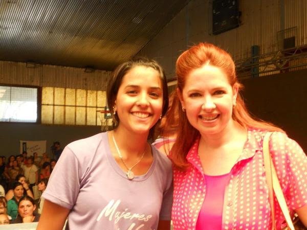 "[24/11/2012] Andrea en Santa Fe ""Mil mujeres contra la violencia de género"" A8gsgX8CQAEnJs6-"