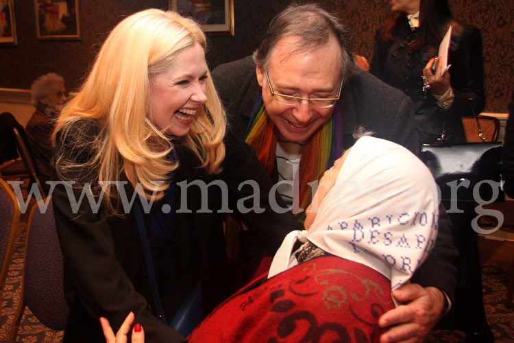 Фотографии и скрины 2011 - Página 5 Andrea_con_las_madres002