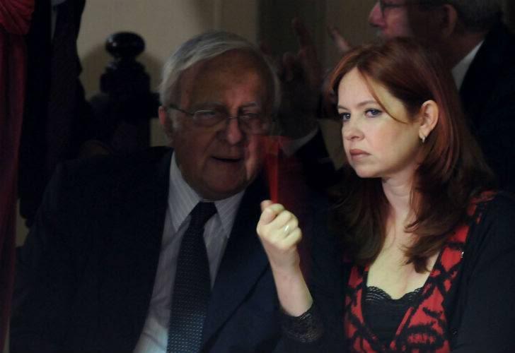 Andrea en el acto en Congreso (01/03/2011) Dbc449e6b546c0a457f7a29566f03a66