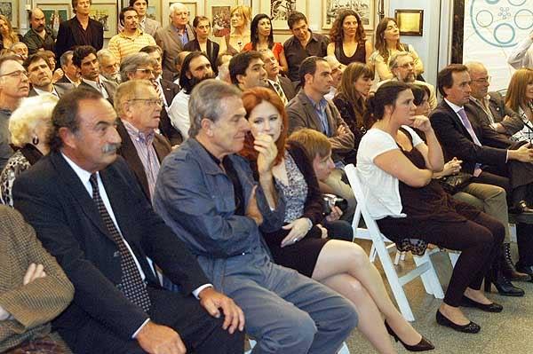 Andrea en el INCAA (16/03/11) Incaa-unidfomento_3