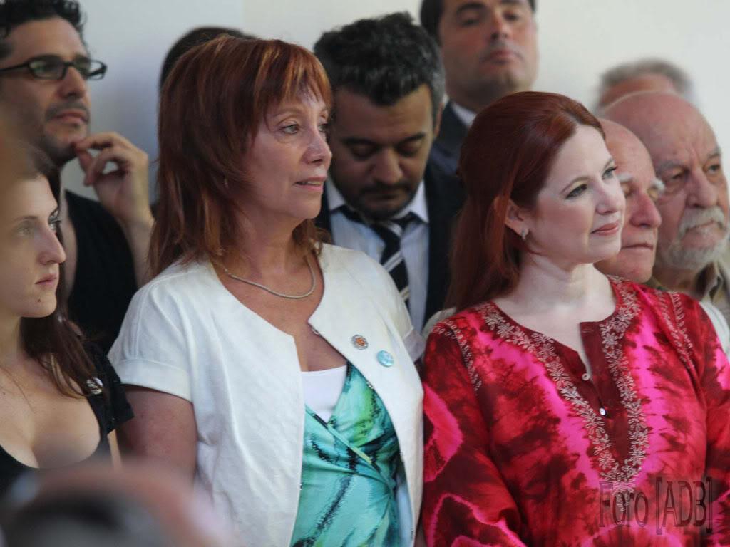 Andrea en el lanzamiento de INCAA TV (28/12/2010) Incaa05