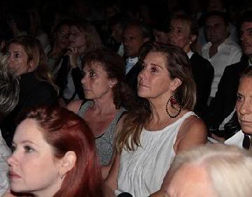 Andrea en la conferencia de Yehuda Berg (30/03) La_conf_de_kabalah_004