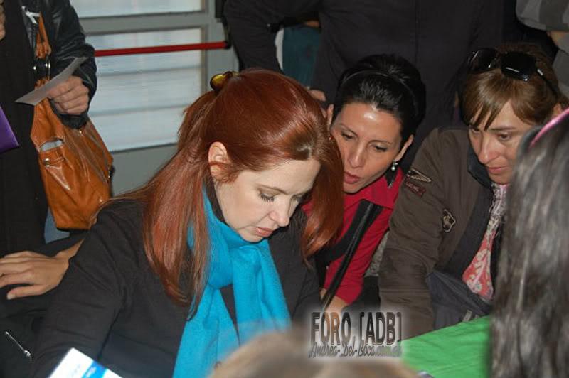 [03/06/2011] Андреа Дель Бока против насилия, поездка в Неукен Neuquen_10-