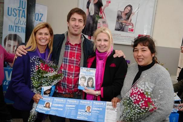 [10/08/2011] Andrea del Boca visito Mercedes y le brindó su apoyo a Ustarroz Ustarroz-delboca-II