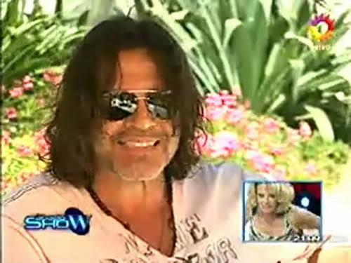 Освальдо Лапорт / Osvaldo Laport - Página 2 Osvaldo_homenaje_a_SS_sabado_show_1812100-00-44111