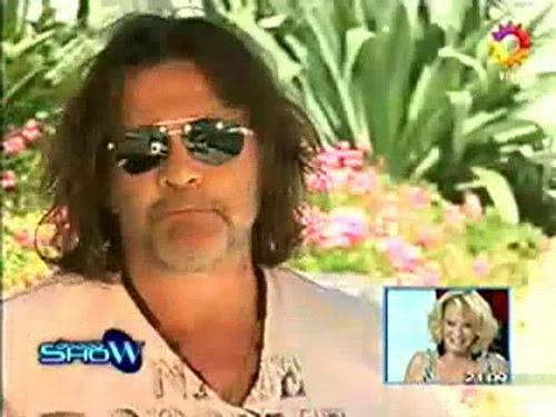 Освальдо Лапорт / Osvaldo Laport - Página 2 Osvaldo_homenaje_a_SS_sabado_show_1812100-00-49721