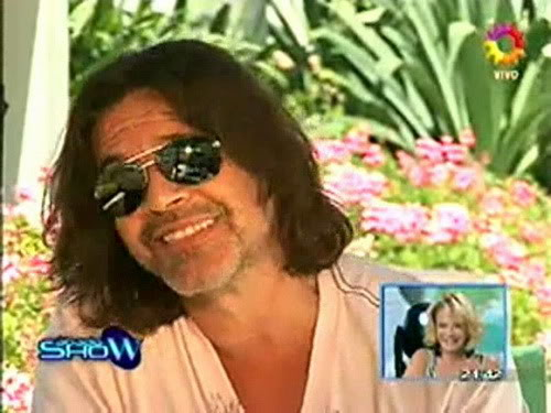 Освальдо Лапорт / Osvaldo Laport - Página 2 Osvaldo_homenaje_a_SS_sabado_show_1812100-01-55074