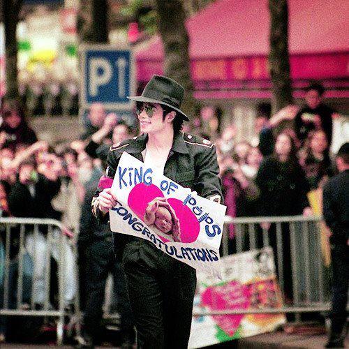 Raridades: Somente fotos RARAS de Michael Jackson. - Página 8 577851_358532380874050_147786685281955_1026781_1201522499_n