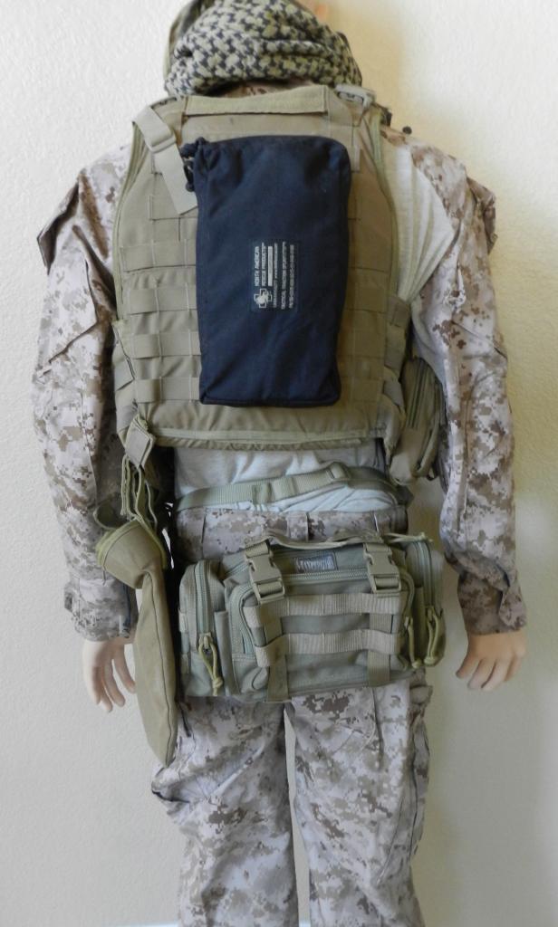 USMC EOD Tech Manniquen Afghanistan Display  DSCN7392_zps1a504226