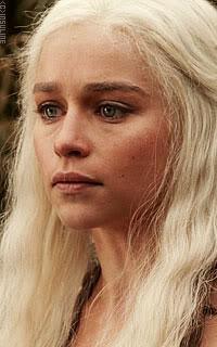Les familles de sangs purs Emilia-Clarke-13