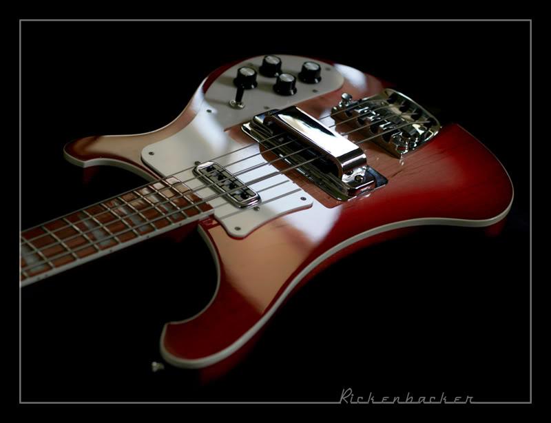 Mostre o mais belo Rickenbacker que você já viu Rickenbacker_Bass_by_cycoze