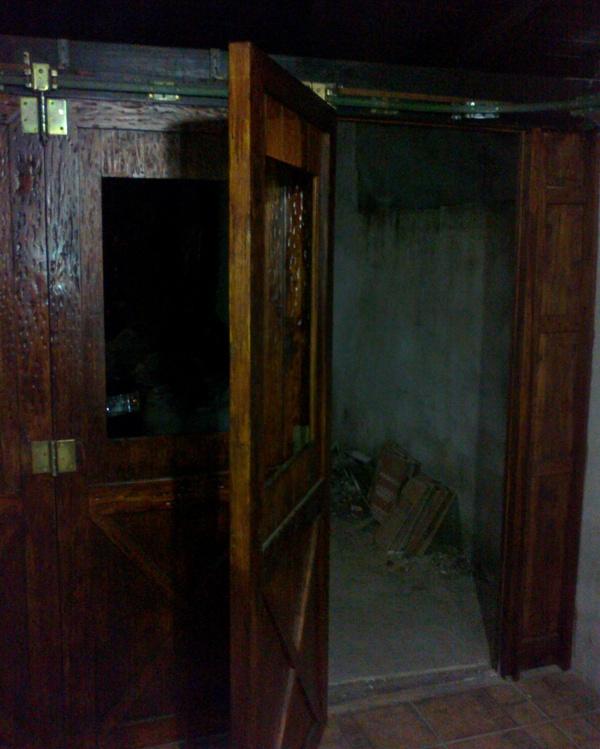 Portón de garaje, en madera, casero, corredizo, curvo.... 150620131058_zpsef12872b