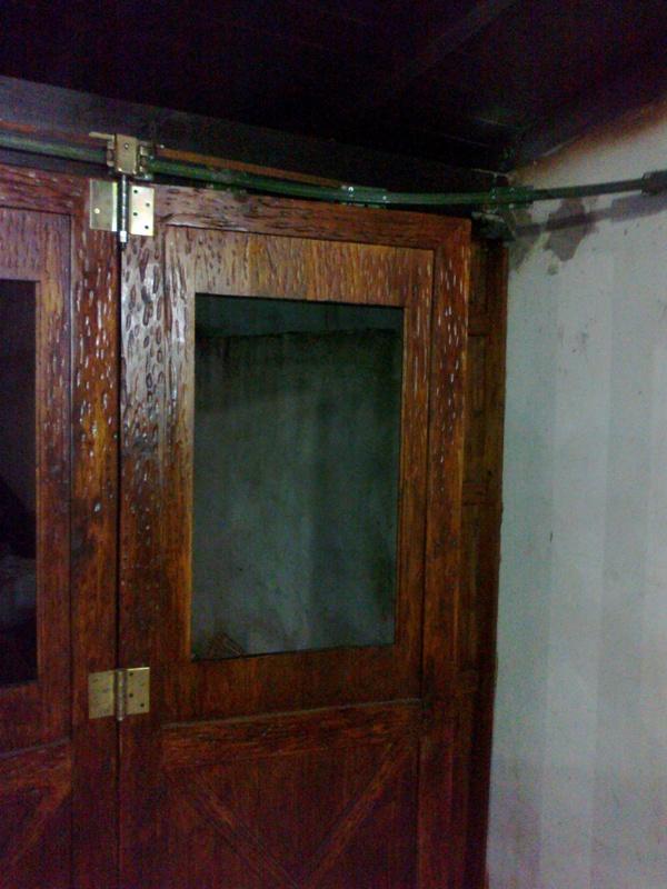 Corredizo - Portón de garaje, en madera, casero, corredizo, curvo.... 150620131060_zpsed24c495