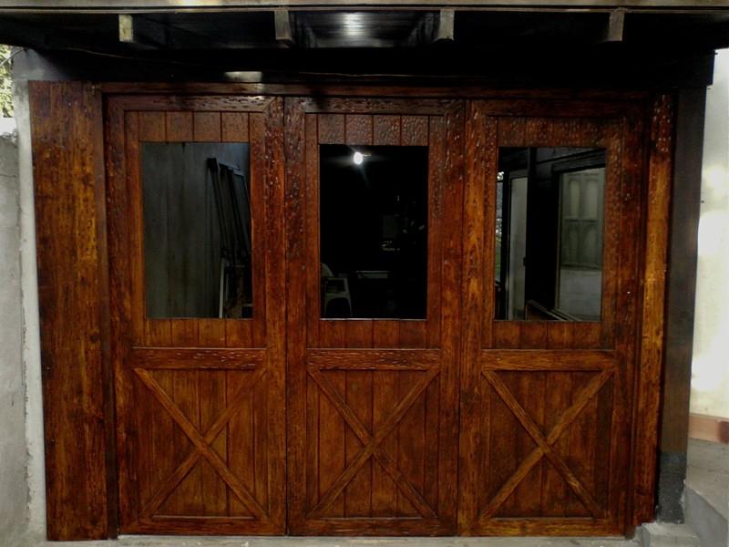 Portón de garaje, en madera, casero, corredizo, curvo.... 7a2410fa-7356-4c01-9225-cfd3ba54cb6b_zps8f30bd06