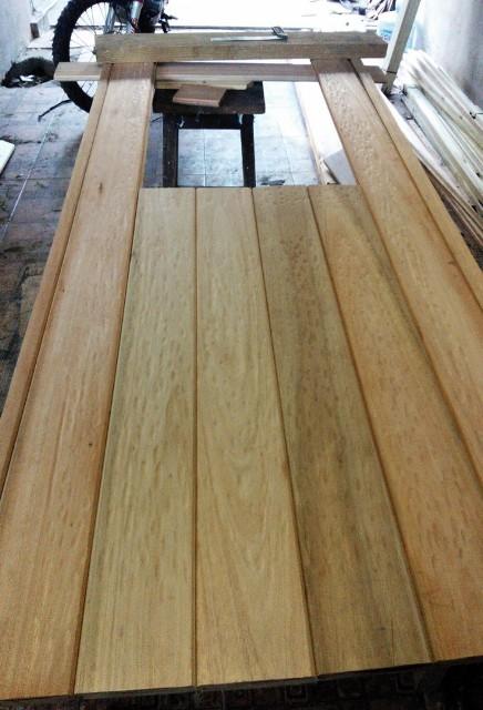 Port n de garaje en madera casero corredizo curvo for Saguan de madera