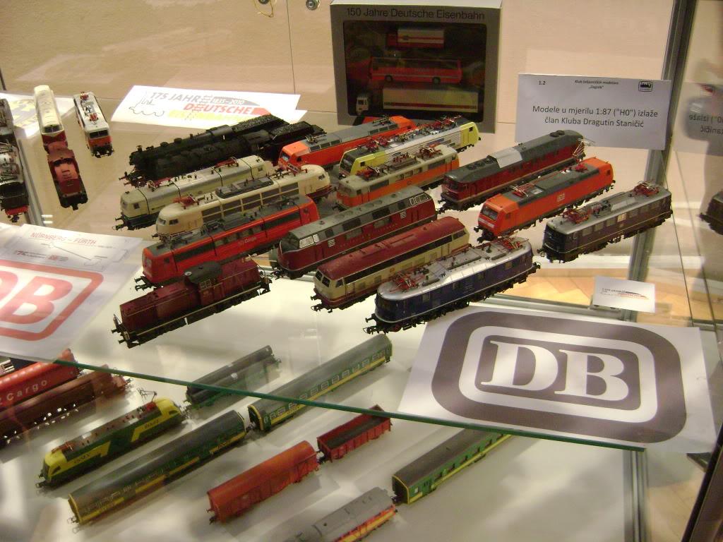 Kratak pogled na susret zeljeznickih modelara (27.11.10.) Autobusi031