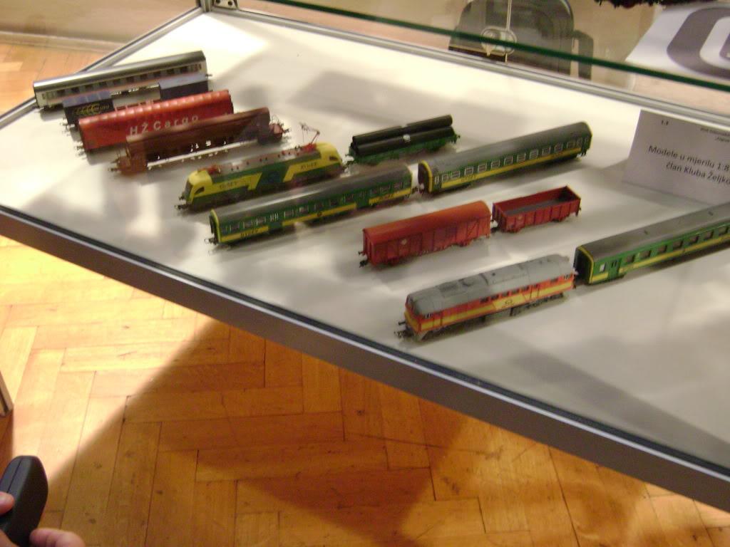 Kratak pogled na susret zeljeznickih modelara (27.11.10.) Autobusi032