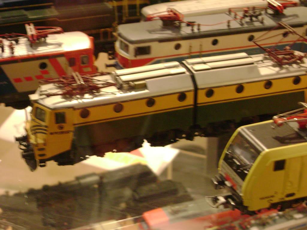 Kratak pogled na susret zeljeznickih modelara (27.11.10.) Autobusi034
