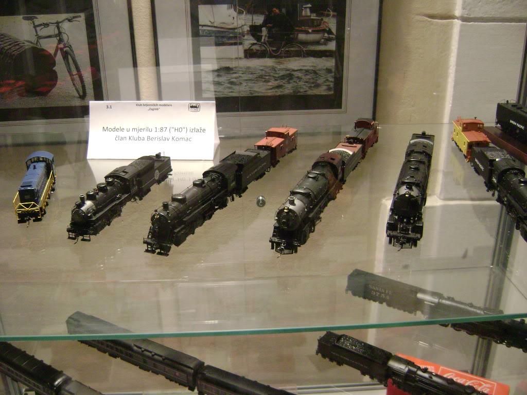 Kratak pogled na susret zeljeznickih modelara (27.11.10.) Autobusi036
