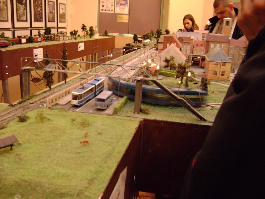Kratak pogled na susret zeljeznickih modelara (27.11.10.) Autobusi043