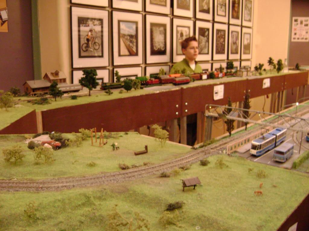 Kratak pogled na susret zeljeznickih modelara (27.11.10.) Autobusi044