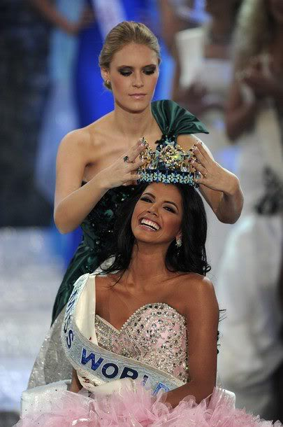 Official Thread of MISS WORLD 2011 - Ivian Sarcos - Venezuela 310942_270479989662494_100001014858446_815292_683019762_n