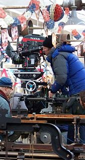 [Movie] The King's Speech (2010) 170px-Tom_Hooper_directing_The_Kings_Speech_zps677a3052