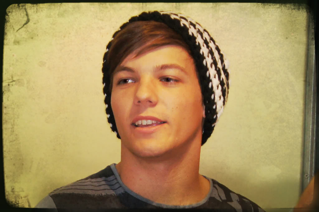 """One Direction (X Factor UK) >> album """"Up All Night"""" [IV] Louis"""
