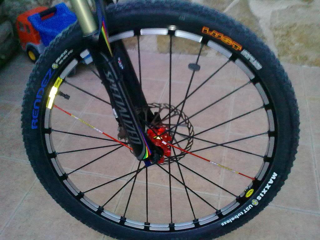 vendo ruedas CROSS MAX SLR CON CUBIERTAS NUEVAS 19022011_001